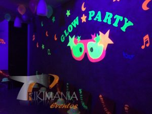 Decoración Chiquiteca Glow Party