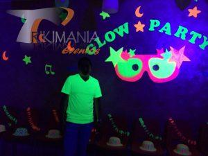 Chiquiteca neon Glow Party