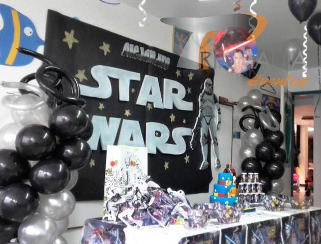 Sonido y luces trikimania eventos for Decoracion de cuarto star wars