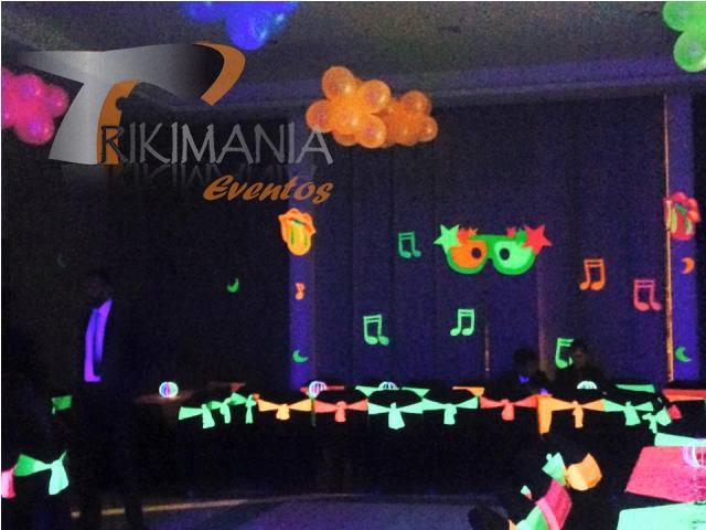 decoracion de fiesta neon o glow party
