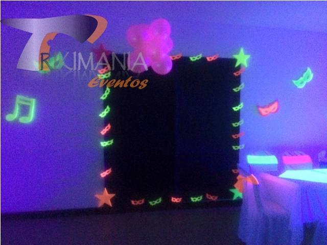 decoración de fiesta neon